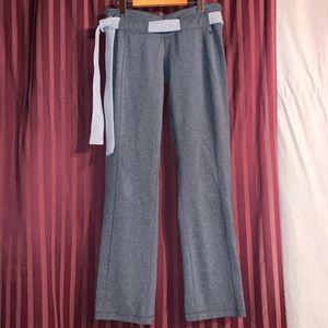 Lululemon groove pants with belt loop designs.